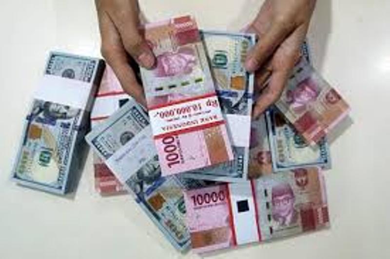 Dolar Digempur, Rupiah Makin Makmur