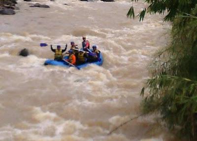 Dokumentasi penulis di Jalur Rafting Way Besai Lampung Barat 05 Juni 2016