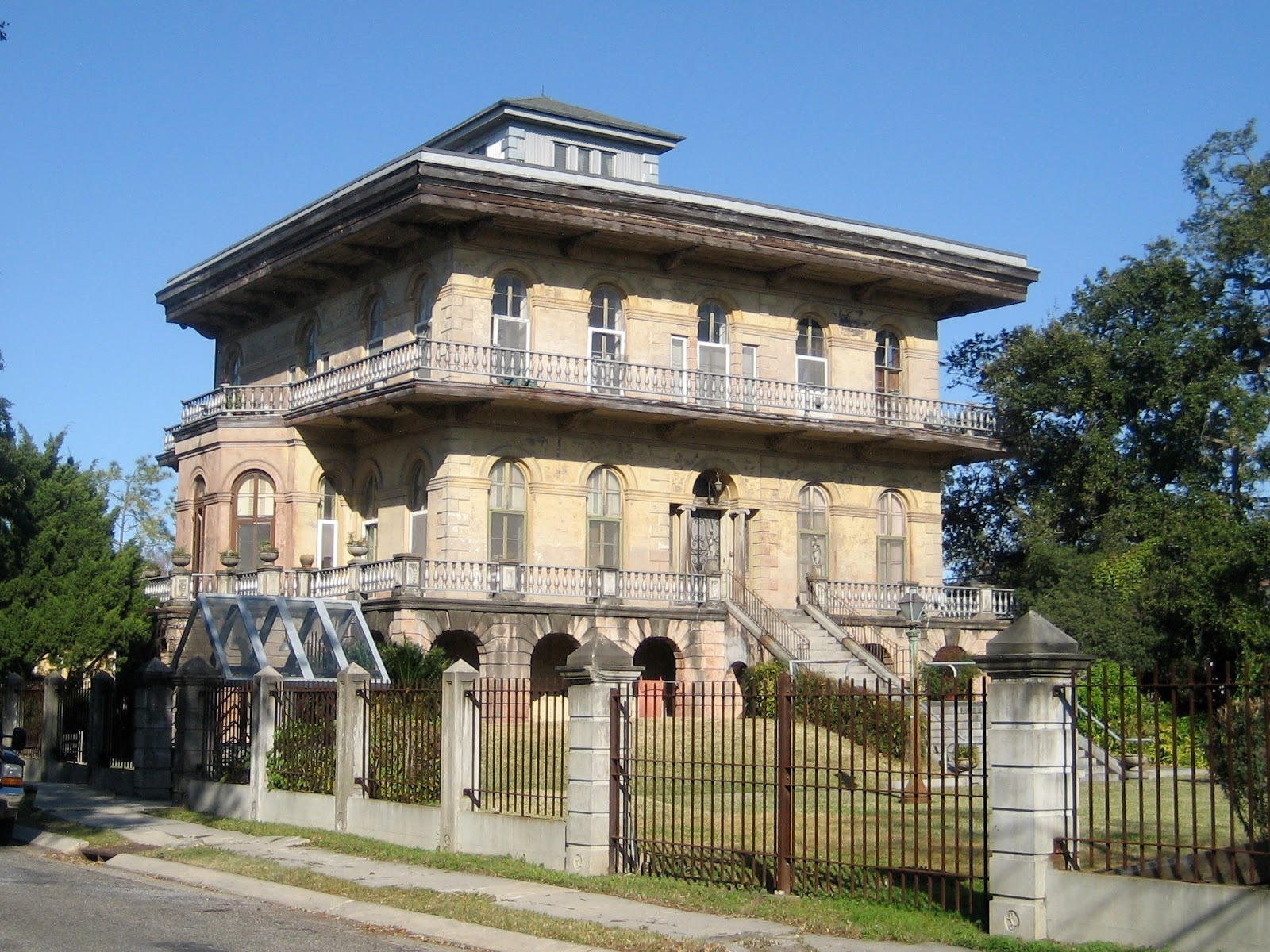 the picturesque style italianate architecture the florence luling house new orleans la. Black Bedroom Furniture Sets. Home Design Ideas