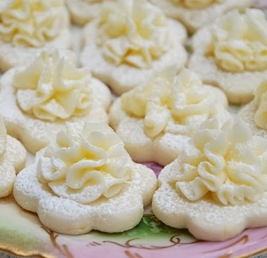 Frilly Lemon Meltaway Cookies #desserts #sugar
