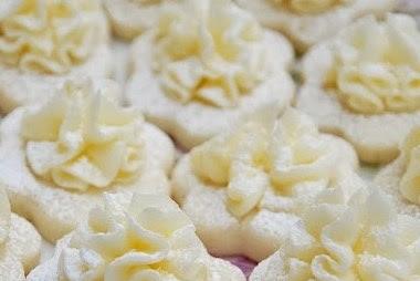 Frilly Lemon Meltaway Cookies #desserts #sugar