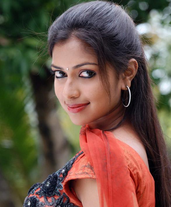 Paul Biodata Actress Amala Tamil