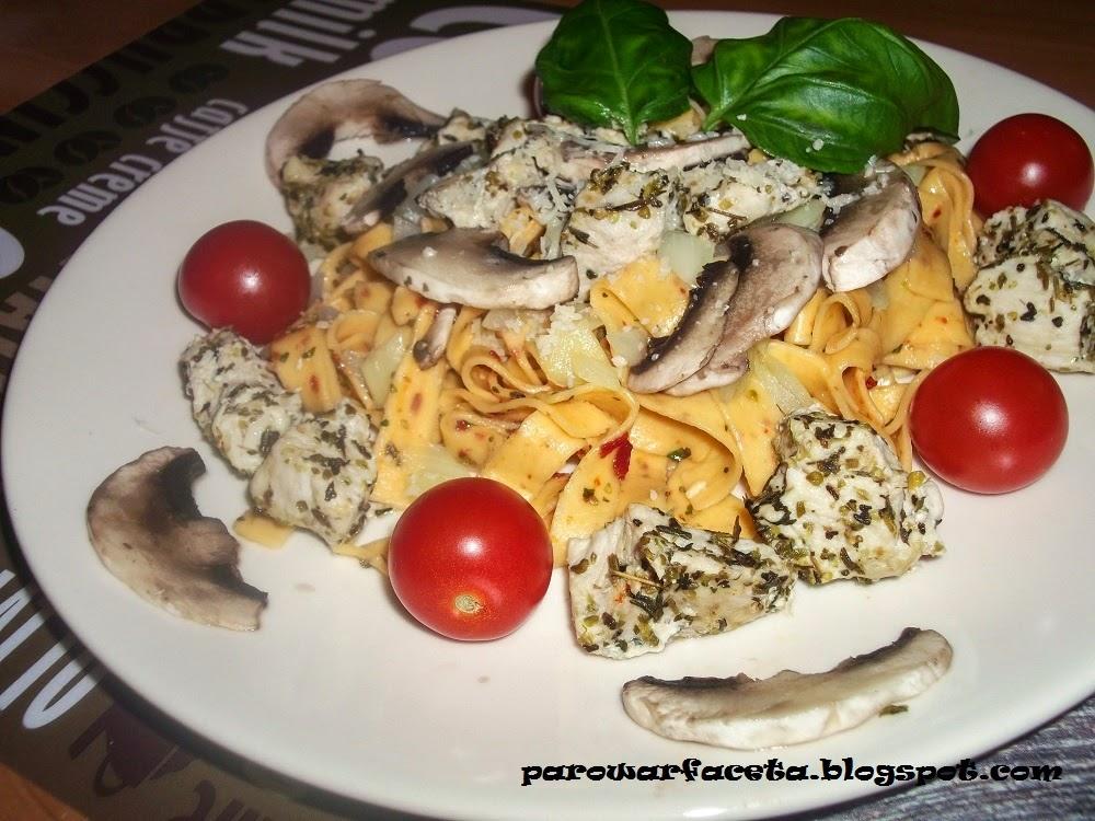 makaron z warzywami z parowaru
