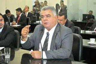 Hoje é  o sepultamento  do  ex  deputado João Beltrão.