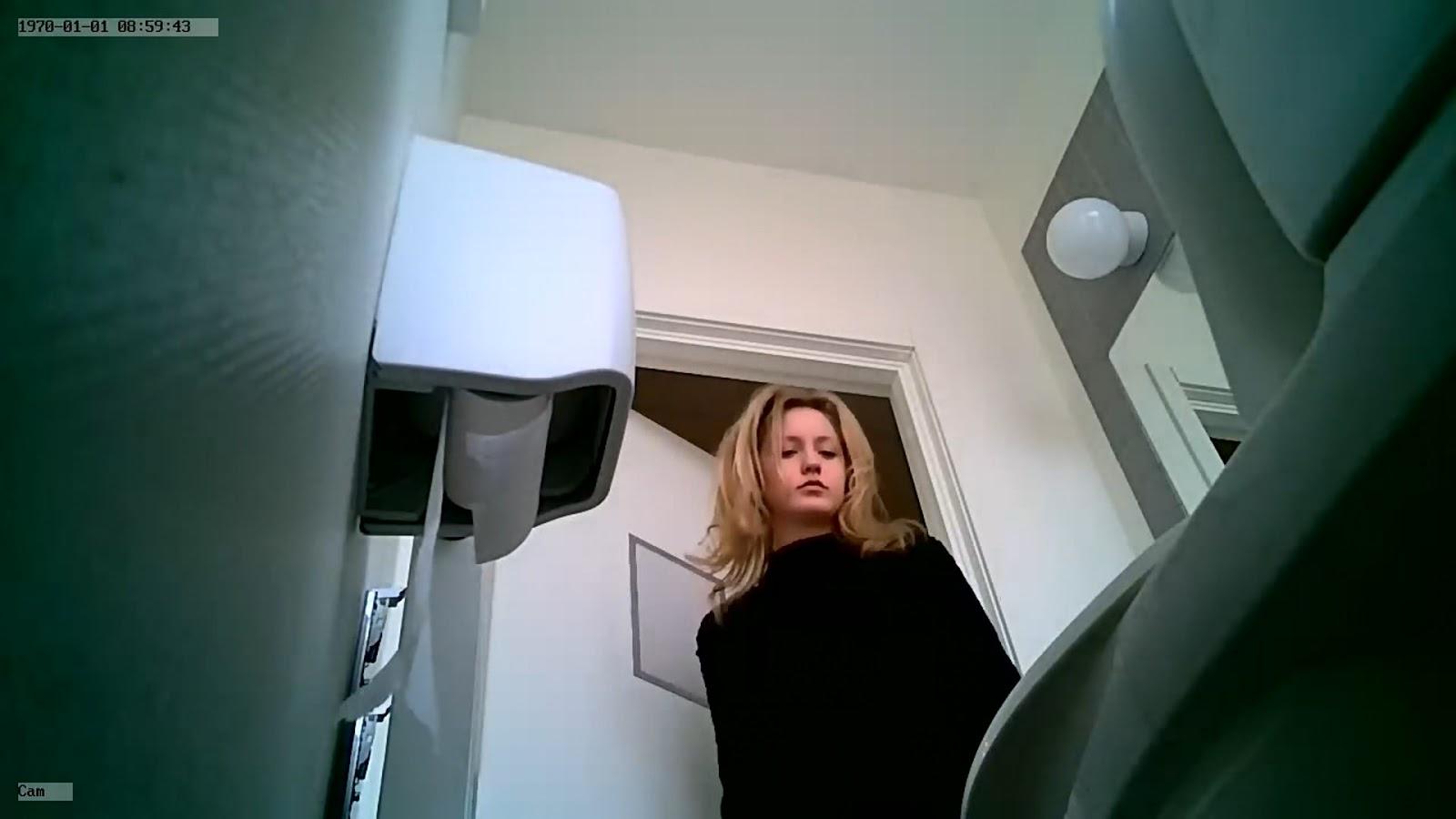 Department store voyeur fitting rooms - 1 part 6