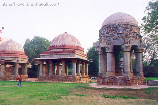 Pavilions & Tombs in Hauz Khas Fort