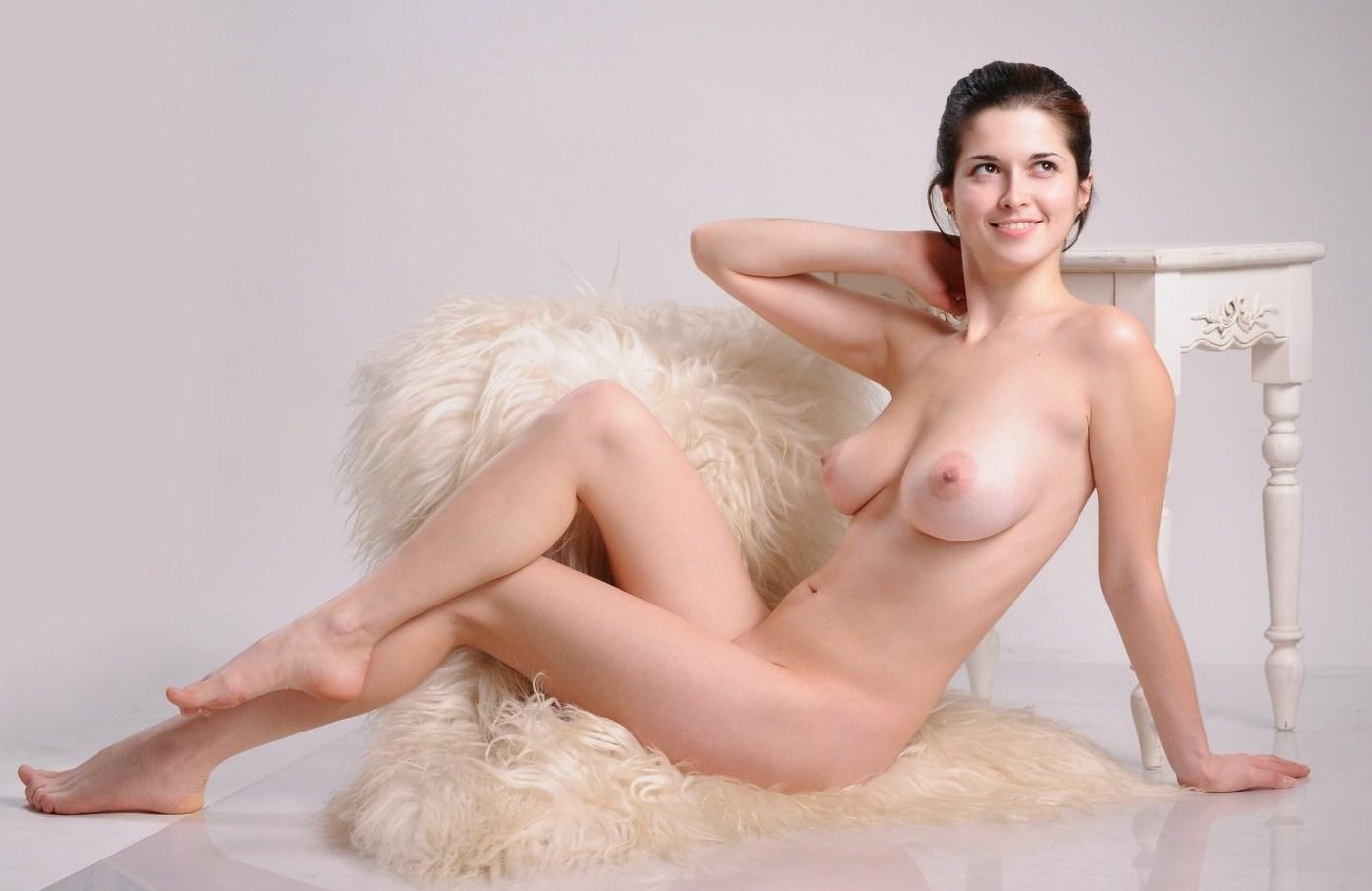 margaret colin nude