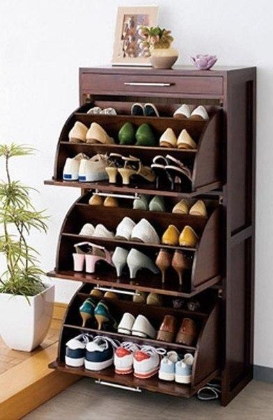 вместительный обувной камод