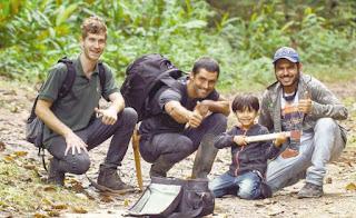 Pesquisadores Grant Jonhson, Isaías Santos e Henrique Domingos, junto ao filho Caetano (Arquivo pessoal de Henrique Domingos)
