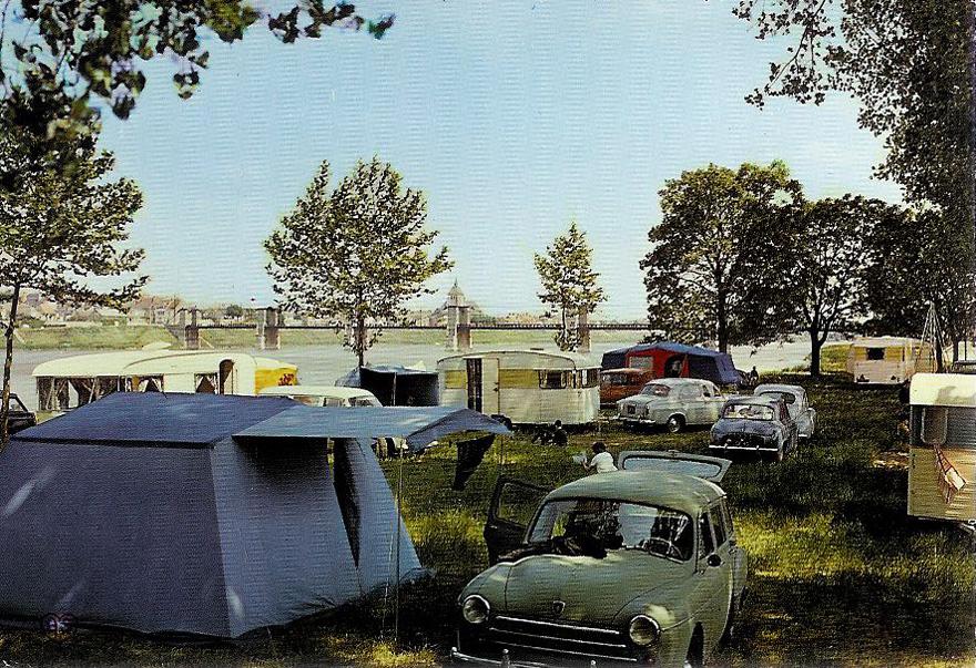 club5a reportage auto le camping r tro des vacances au camping. Black Bedroom Furniture Sets. Home Design Ideas