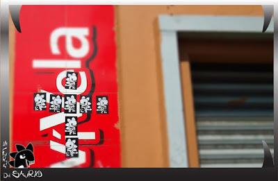 stickers en la calle  de la furia del saurio elra