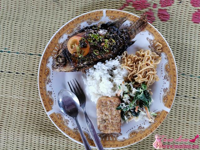 Makan tengah hari di Balkondes Ngadiharjo