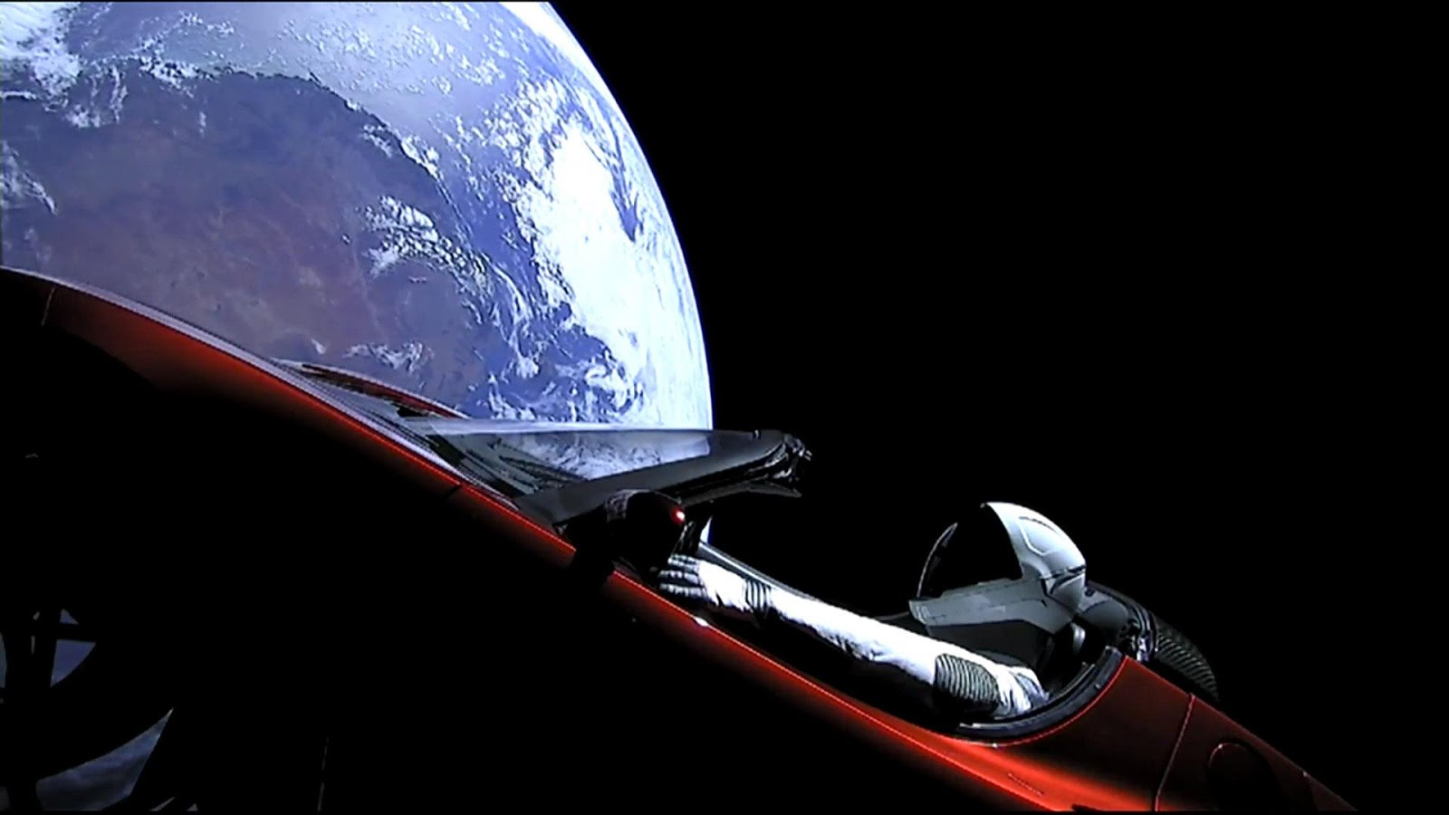 Carro de Elon Musk supostamente no espaço