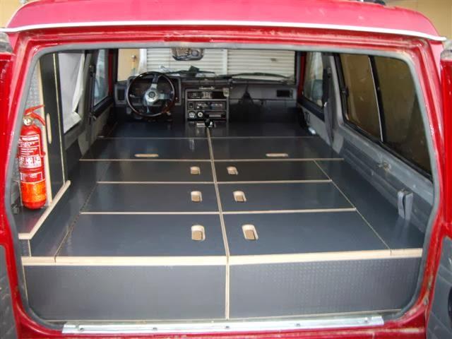 4x4tripping schlafen im gel ndewagen der innenausbau. Black Bedroom Furniture Sets. Home Design Ideas