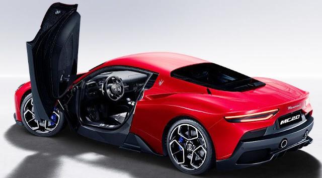 maserati-mc20-open-gullwing-door-red