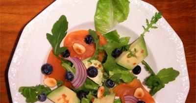 avocadoshop blog avocado salat mit blaubeeren und lachs. Black Bedroom Furniture Sets. Home Design Ideas