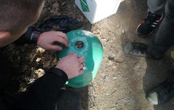 У Тернопільській області знайшли 400 кіло бурштину в балонах