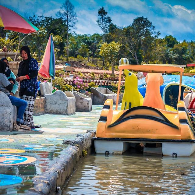 Wahana di Taman Wisata Refi Pekanbaru