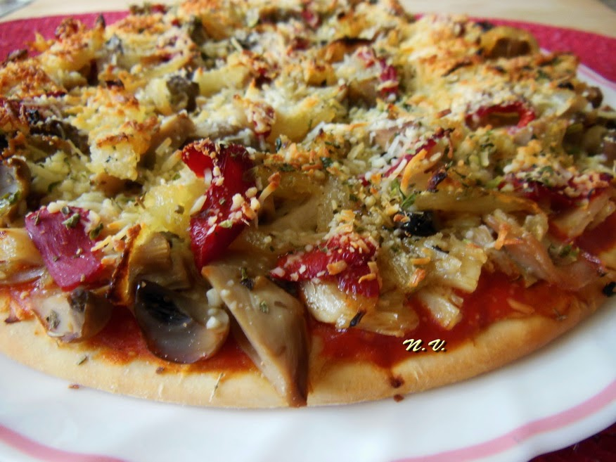 PIZZA POLLO Y CHAMPI 7