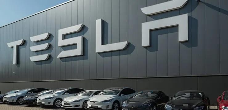 Автомобили компании Тесла