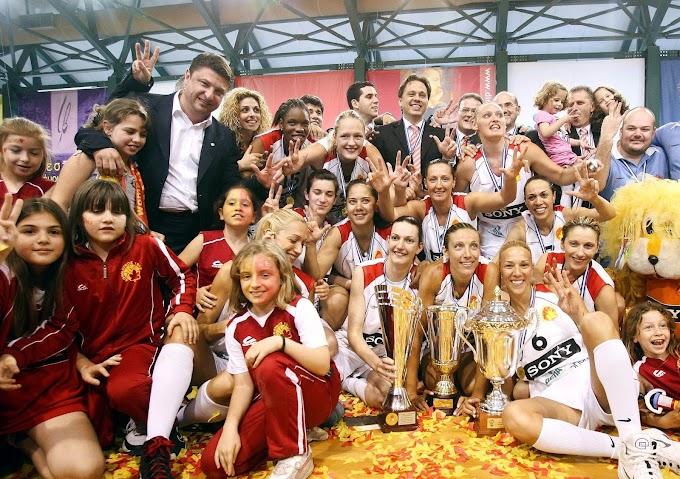 Ρετρό: Φωτορεπορτάζ από την φιέστα και το γλέντι των παικτριών του Αθηναϊκού για την κατάκτηση ντάμπλ και Eurocup την περίοδο 2009-2010