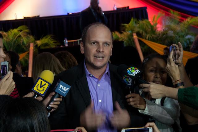 """Al CNE lo designa este Parlamento"", advirtió Guaidó"