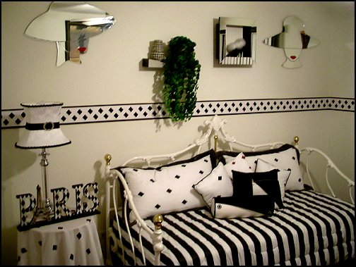black and white paris bedroom theme