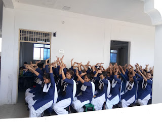Jaunpur News : हरिहर सिंह पब्लिक स्कूल, हरिहर पब्लिक स्कूल की छात्राओं को किया गया जागरूक | #NayaSabera