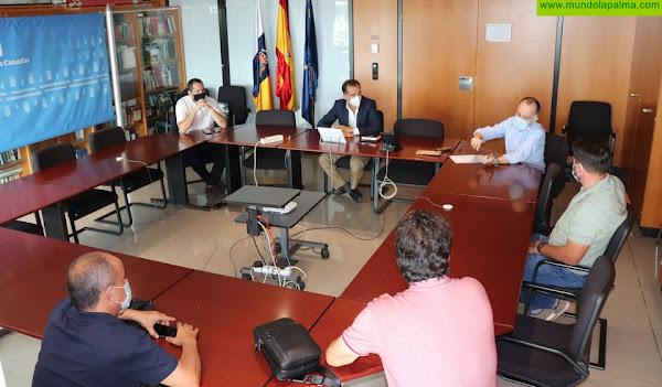 El Gobierno canario solicita a Marina Mercante la creación de una clase de embarcaciones de pesca interinsular