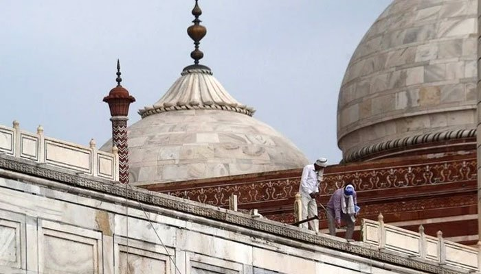 Lethal rainstorm in northern India somewhat harms Taj Mahal