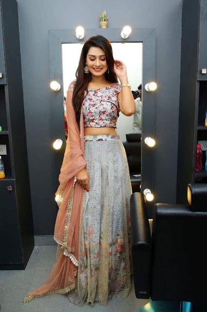 Actress Payal Rajput Latest Hot Images Navel Queens
