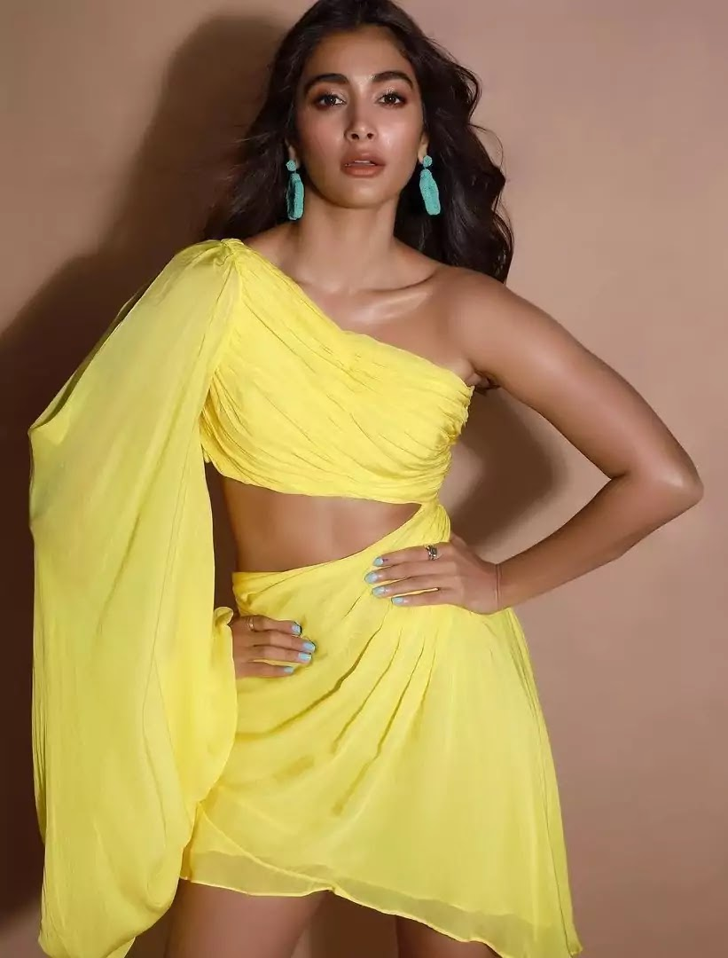 pooja-hegde-in-yellow-short-dress