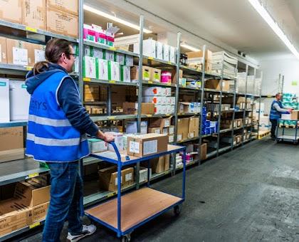 In Tissue-Produktionsfirmen als Distributoren und Lagerarbeiter zu arbeiten