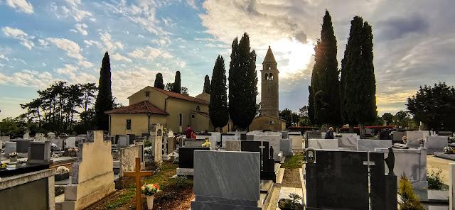 Župna crkva Sv. Petra i Pavla - Marčana (groblje)