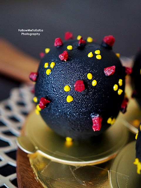 Le Pont Boulangerie et Cafe Offers CoV Ball Coronavirus-Themed Dessert With Happy Booster Shots