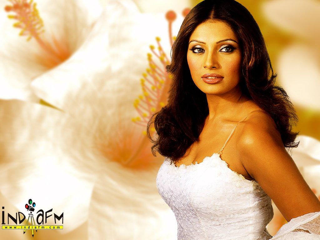 Bipasha Basu High Quality Bset Pics  Celebrities Hot -9538