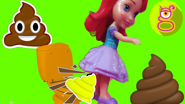 Las Mini Princesas Disney se hacen caca de plastilina de colores y se tiran pedos