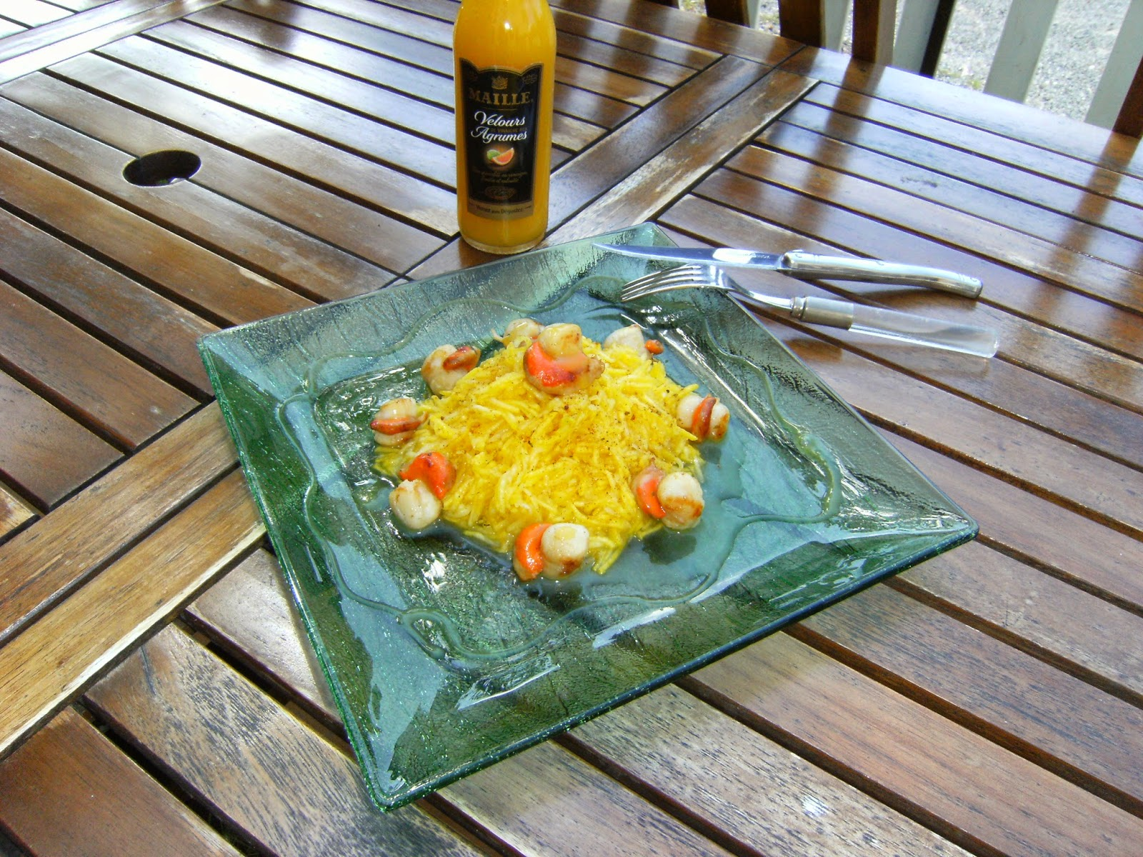 labonnecuisinedenath rap de courgettes jaunes au curry et noix de st jacques vinaigre d 39 agrumes. Black Bedroom Furniture Sets. Home Design Ideas