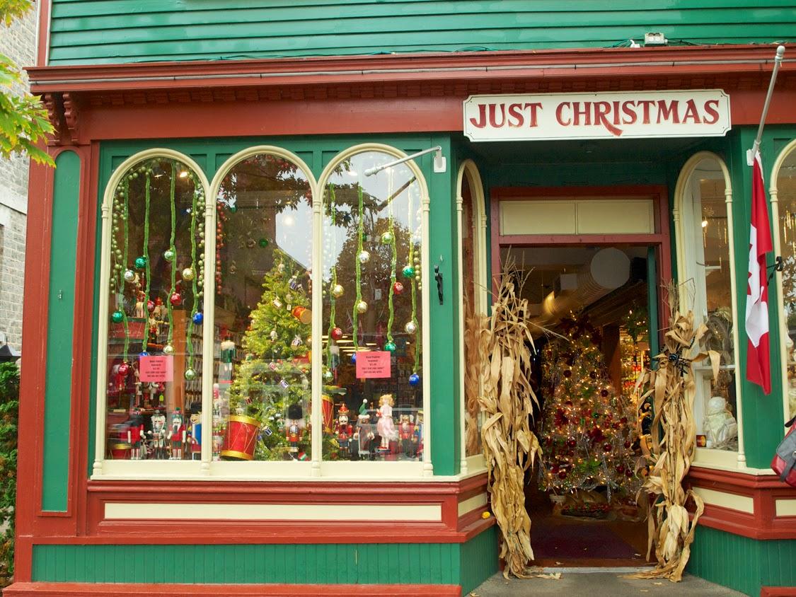 Adornos de Navidad en Niagara on the Lake