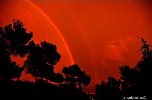 Arco-íris vermelho