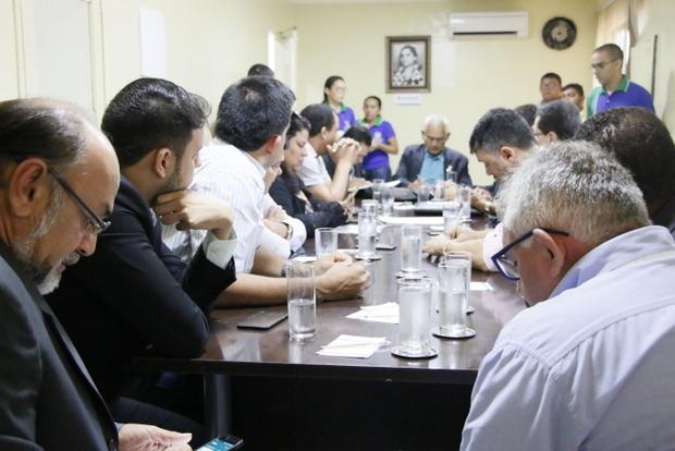 Câmara de Vereadores realiza reunião extraordinária e discute mais de 20 requerimentos