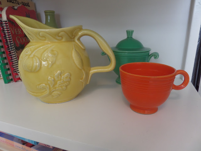 hull pottery and fiestaware