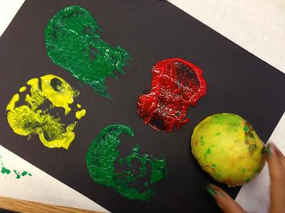 Apple paint prints art: All About Apples Time4Kindergarten