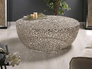 mesa de centro actual en acero con diseño moderno