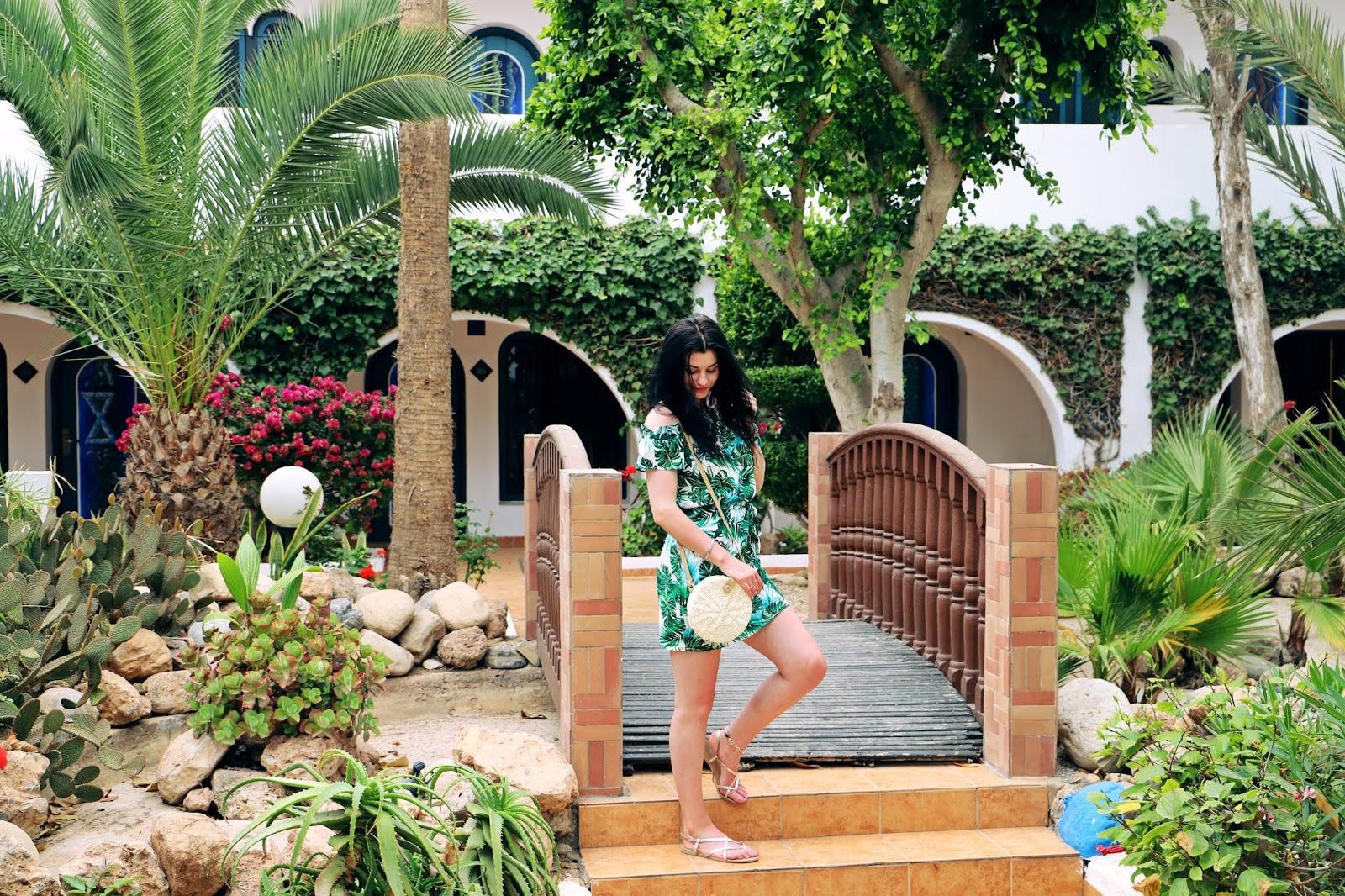 Jak się ubierać w Maroko Agadir – wakacyjna stylizacja