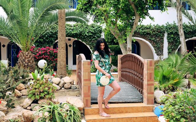 Jak się ubierać w Maroko Agadir - wakacyjna stylizacja - Czytaj więcej »