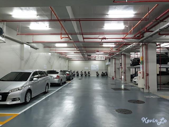 康橋慢旅B2停車場有平面車位與機械車位