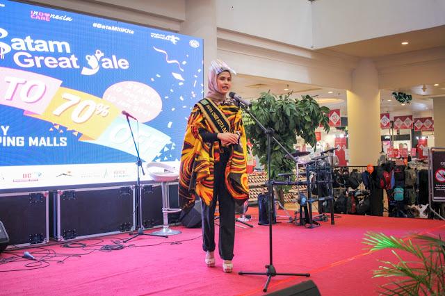 dr.Missy Duta CHSE Edukasi Protokol Kesehatan  ke Pengunjung Mega Mall #BataMiliKita
