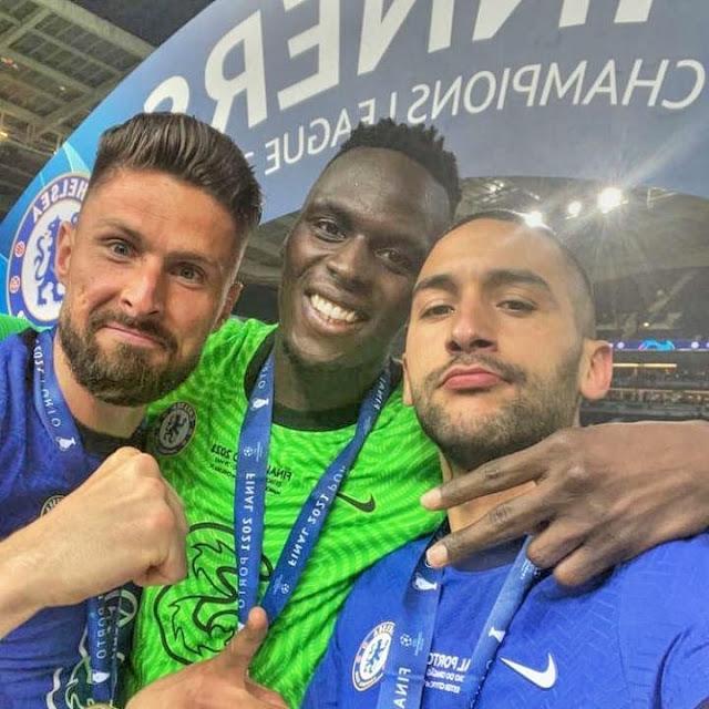 زياش يحتفل بلقب كأس دورى أبطال أوروبا 2021