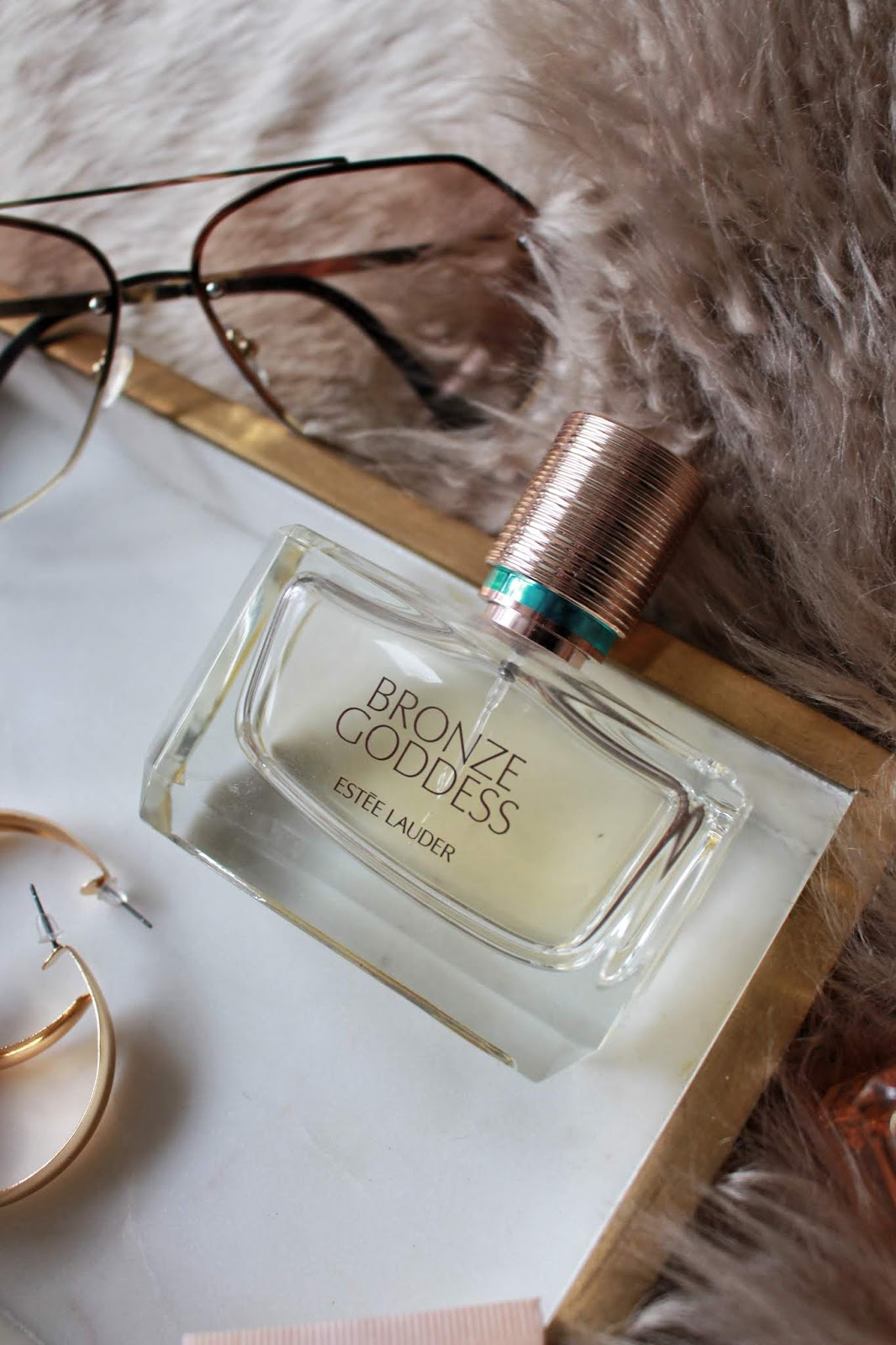 estee lauder review, estee lauder fragrance, estee lauder bronze goddess, esteelauder, estee lauder bronze goddess fragrance, the best summer fragrances, estee lauder bronze goddess 2020, estee lauder gwp, estee lauder free gift